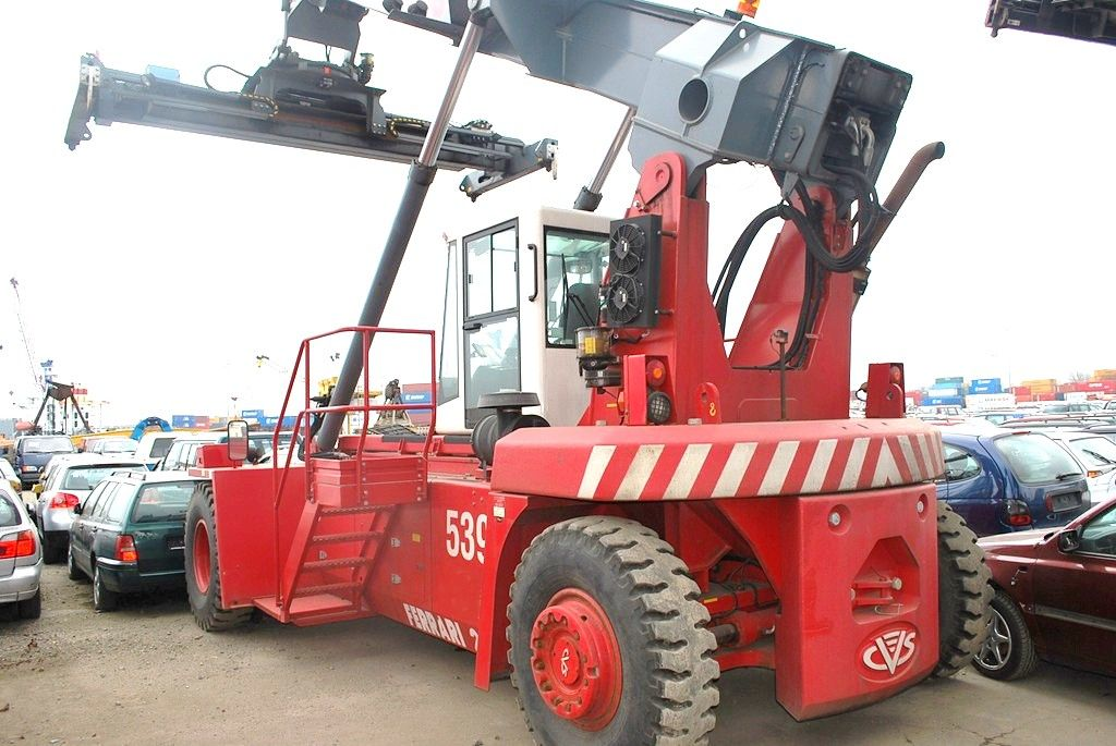 Reach Stacker-CVS Ferrari-F258.6