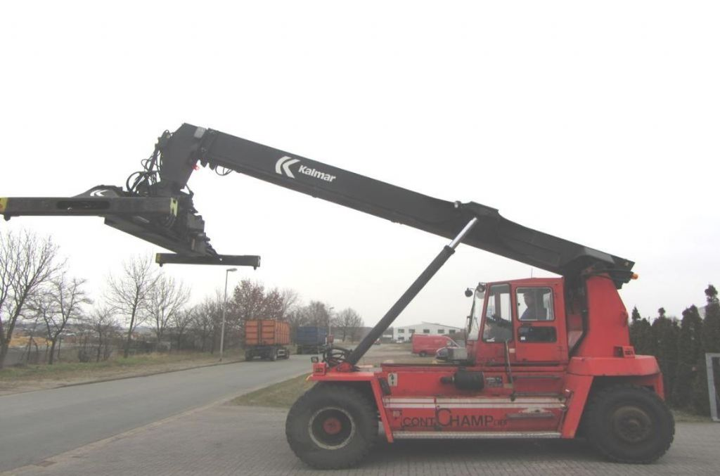 Kalmar DC845RS5 Leercontainer Reachstacker www.hinrichs-forklifts.com