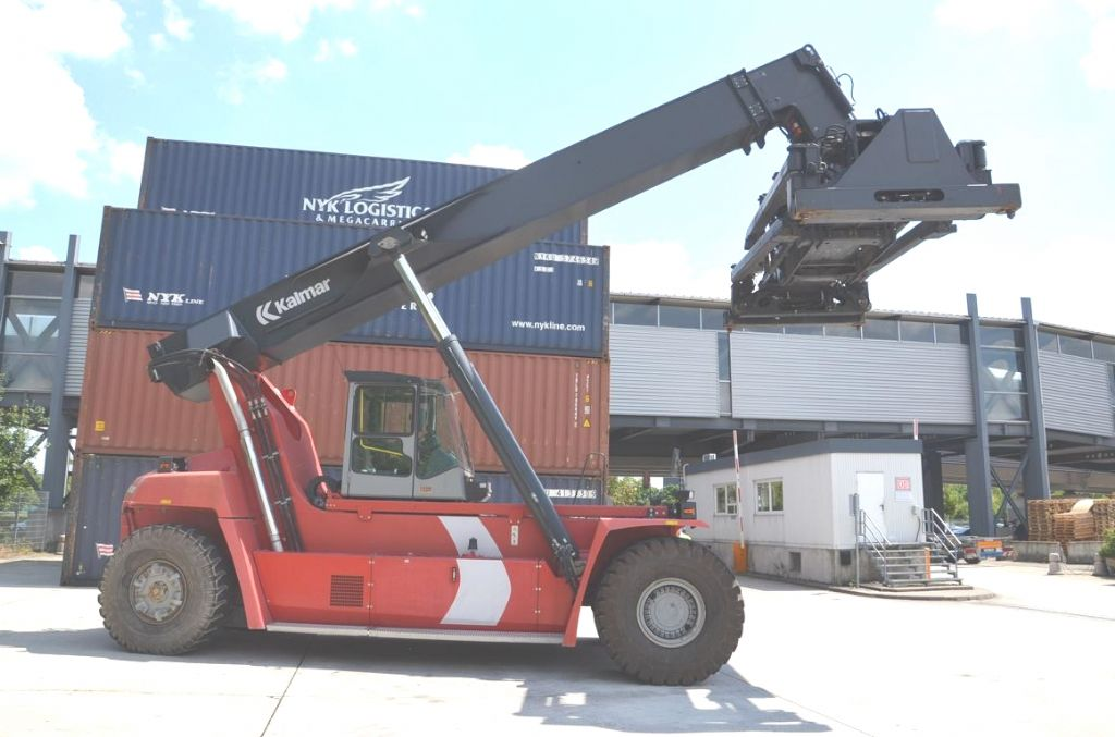 Reachstacker-Kalmar-DRF400-60C5