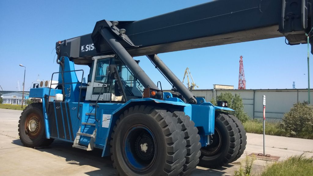 Sisu RSD4531-5CH Vollcontainer Reachstacker www.hinrichs-forklifts.com