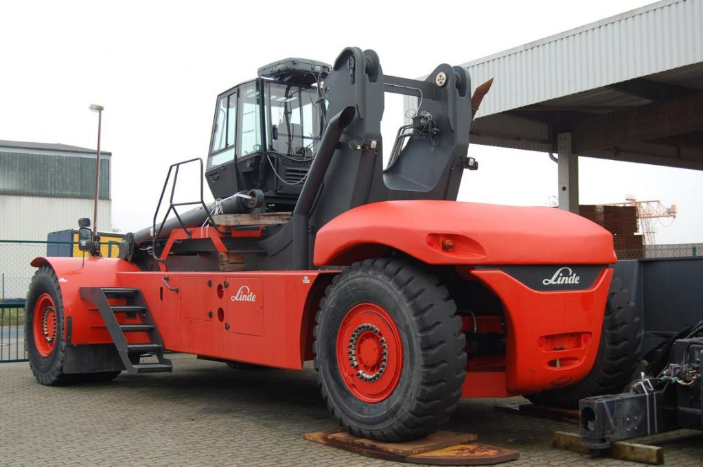 Linde C4540 Vollcontainer Reachstacker www.hinrichs-forklifts.com