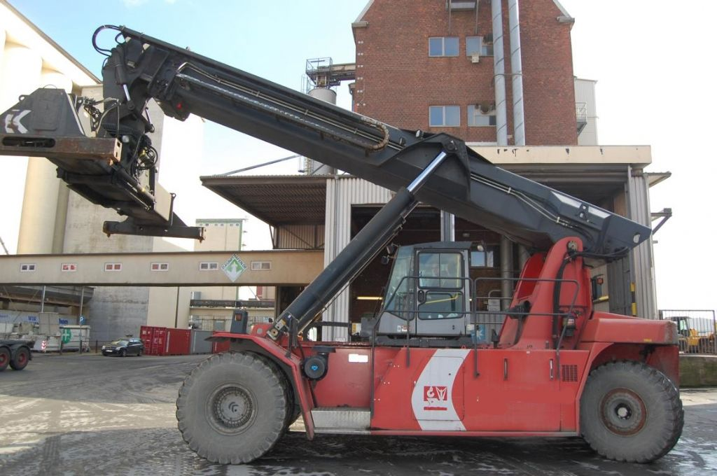 Kalmar DRS4531-S5 Vollcontainer Reachstacker www.hinrichs-forklifts.com