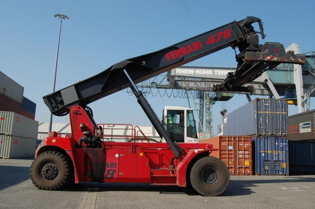 CVS Ferrari-F478.5-Vollcontainer Reachstacker-www.Hinrichs-Forklifts.com