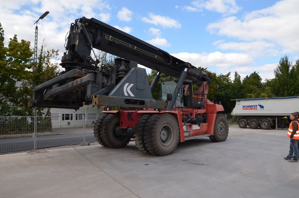 Reachstacker-Kalmar-DRF450-60C5X
