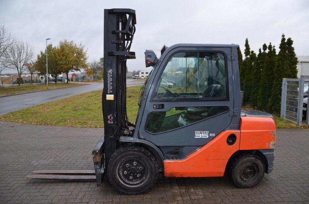 Diesel Gabelstapler-Toyota-8FDJF35
