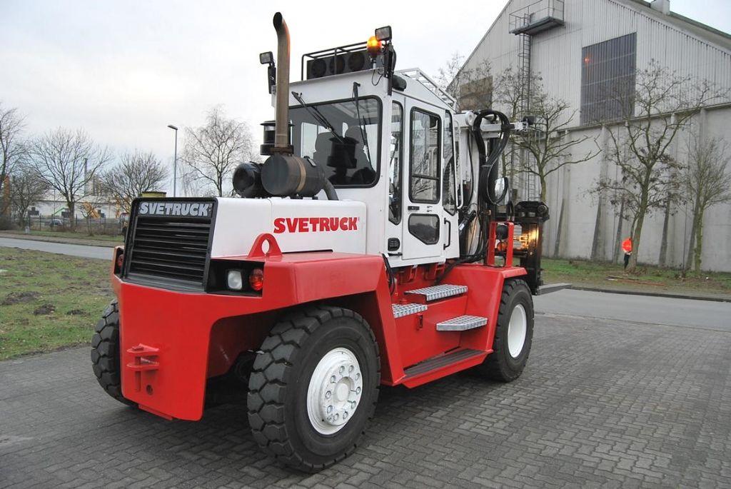 Svetruck-1260-30-Dieselstapler www.hinrichs-forklifts.com