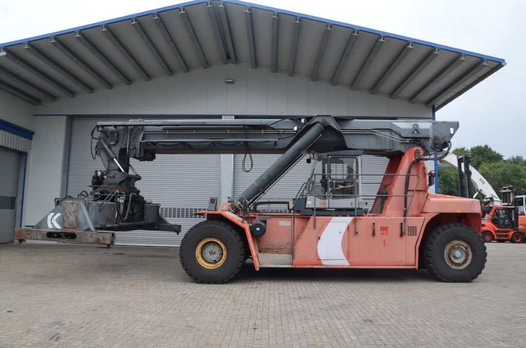 Kalmar-DRS4531S5-Vollcontainer Reachstacker www.hinrichs-forklifts.com