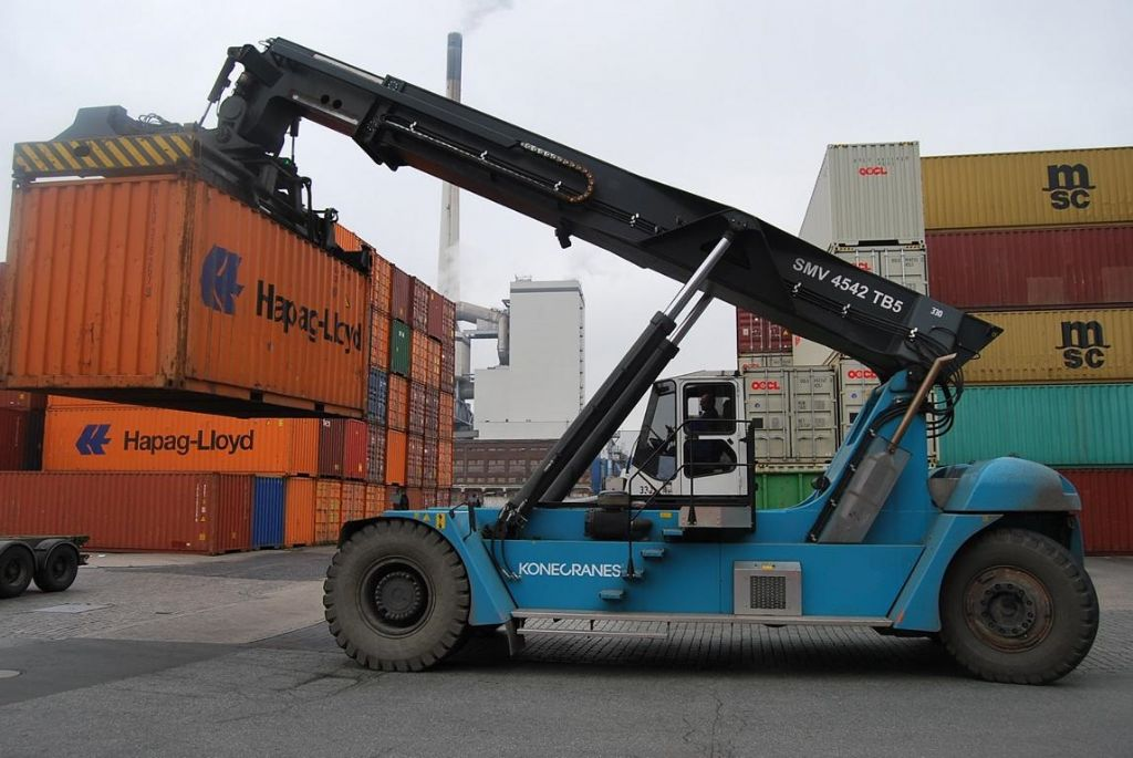 SMV SC4542TB5 Vollcontainer Reachstacker www.hinrichs-forklifts.com