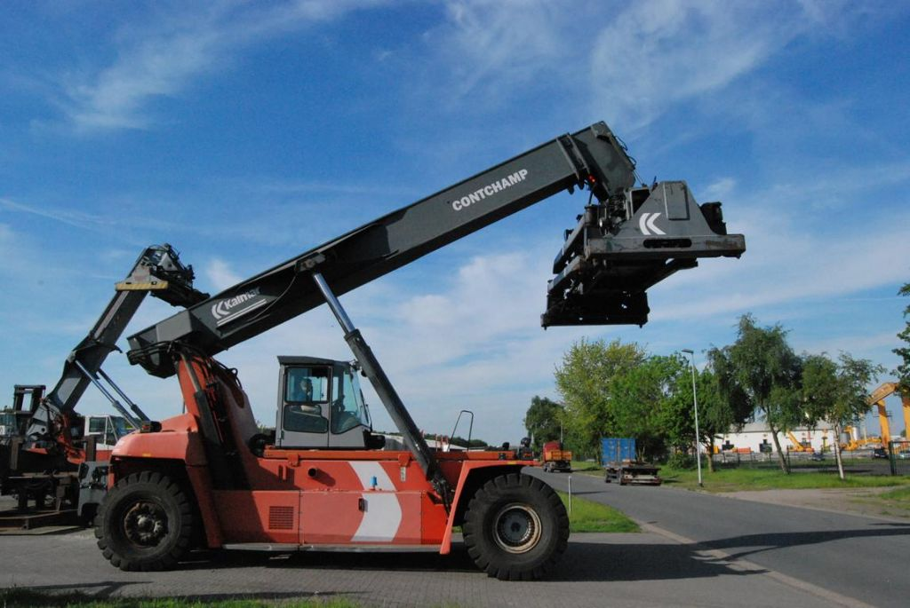 Kalmar-DRF400-60C5-Vollcontainer Reachstacker