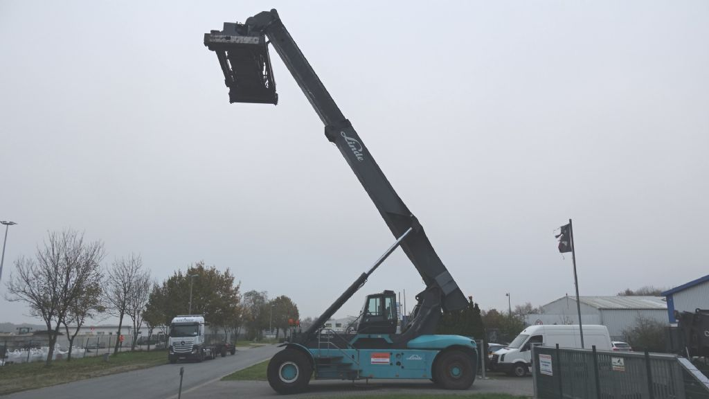 Linde-C4026CH-Vollcontainer Reachstacker www.hinrichs-forklifts.com
