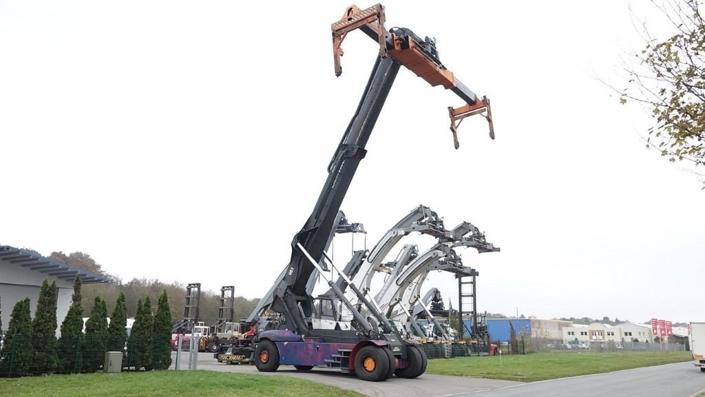 Linde-C4535TL5-Vollcontainer Reachstacker www.hinrichs-forklifts.com