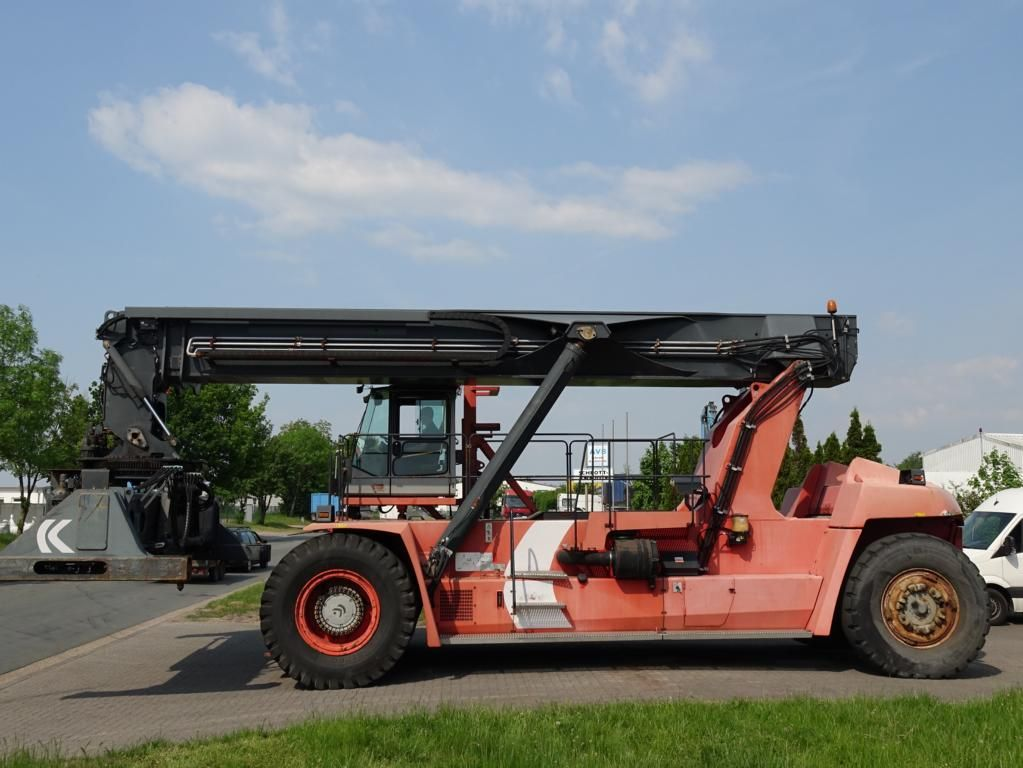 Kalmar-DRF450-70C5XS-Vollcontainer Reachstacker