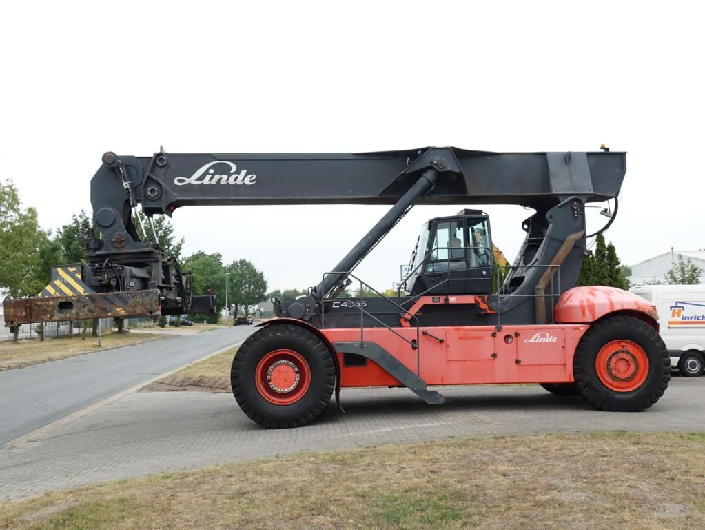 Linde-C4535TL5-Vollcontainer Reachstacker