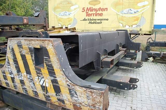 Fantuzzi Spreader SF31 40' Top-Spreader www.hinrichs-forklifts.com