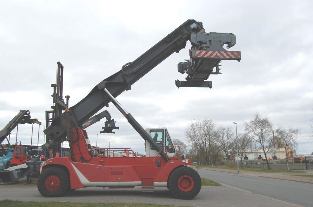CVS Ferrari F198 Vollcontainer Reachstacker www.hinrichs-forklifts.com