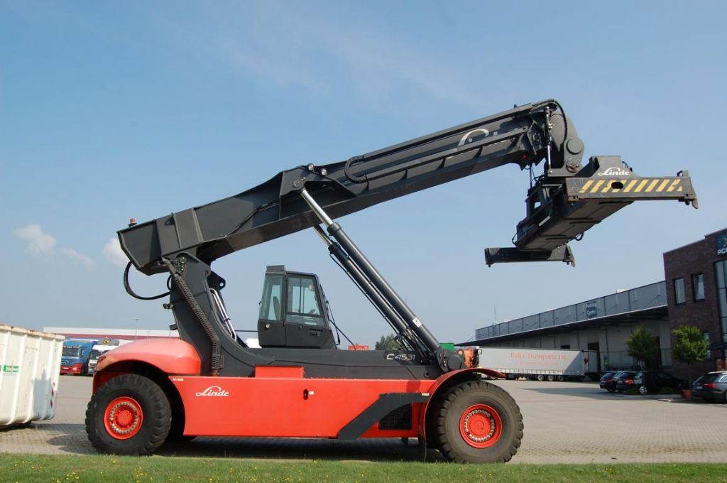 Linde-C4531TL5-Vollcontainer Reachstacker-www.Hinrichs-Forklifts.com