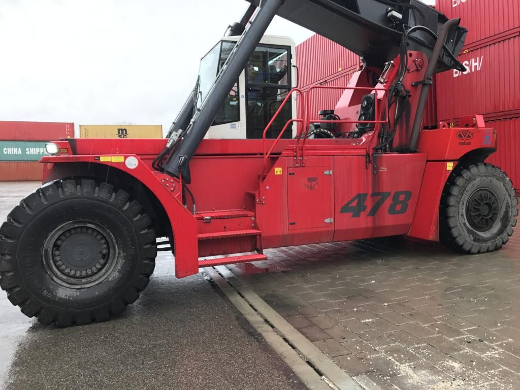 CVS Ferrari F478 Vollcontainer Reachstacker www.hinrichs-forklifts.com