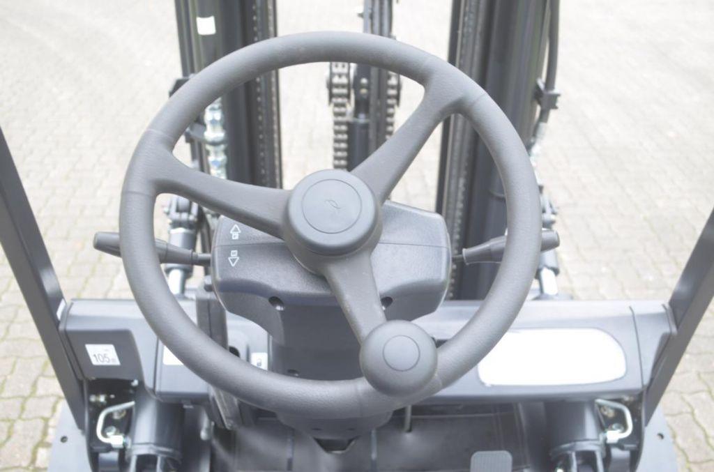 Doosan-D30SD-5-Dieselstapler www.hinrichs-forklifts.com