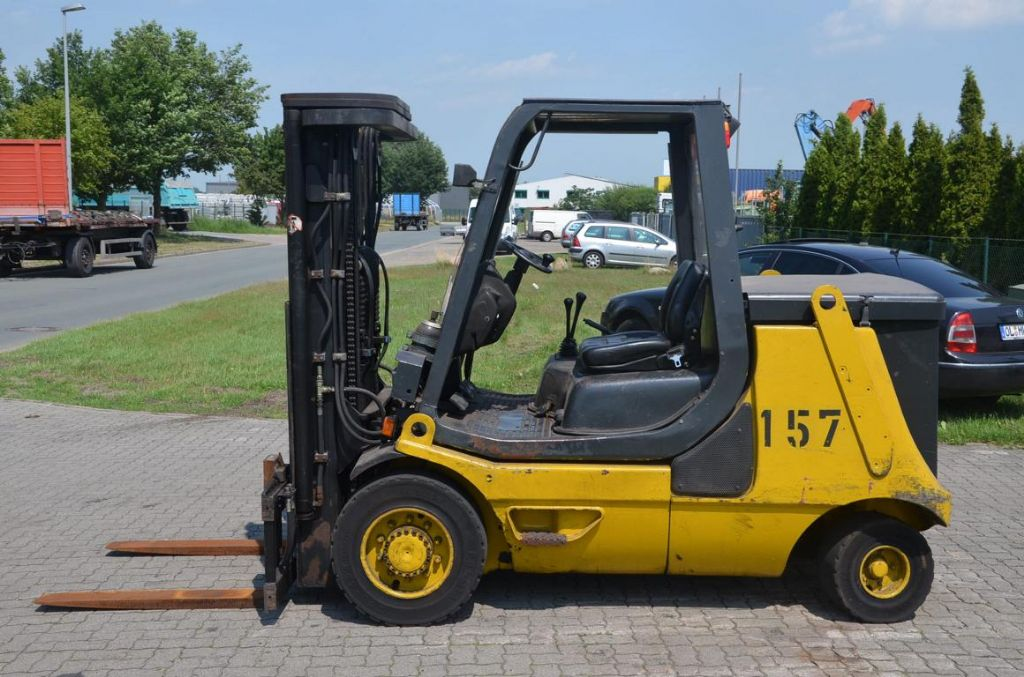 Linde-E40P-Elektro 4 Rad-Stapler