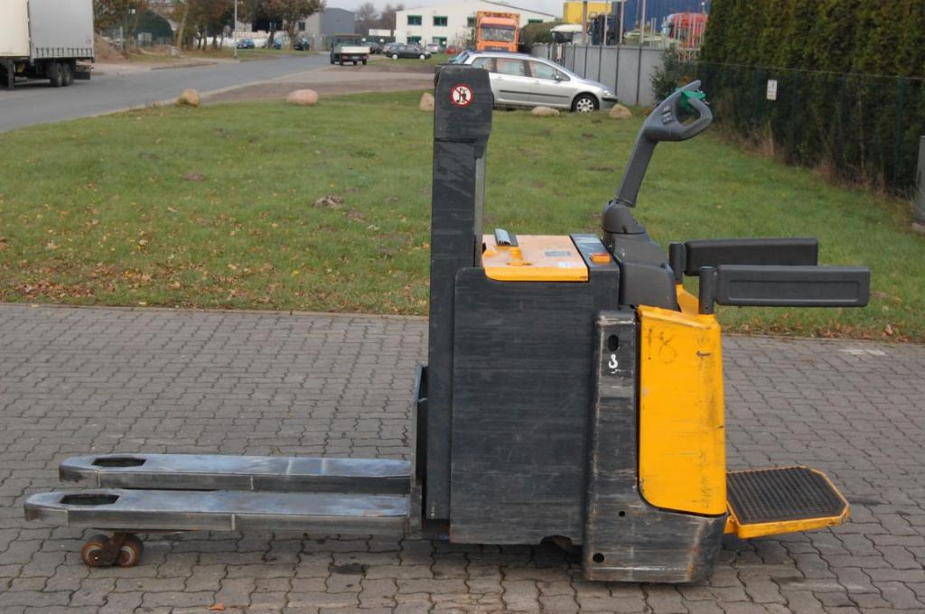Lagertechnik-Jungheinrich-ERD220 / 119201ZT