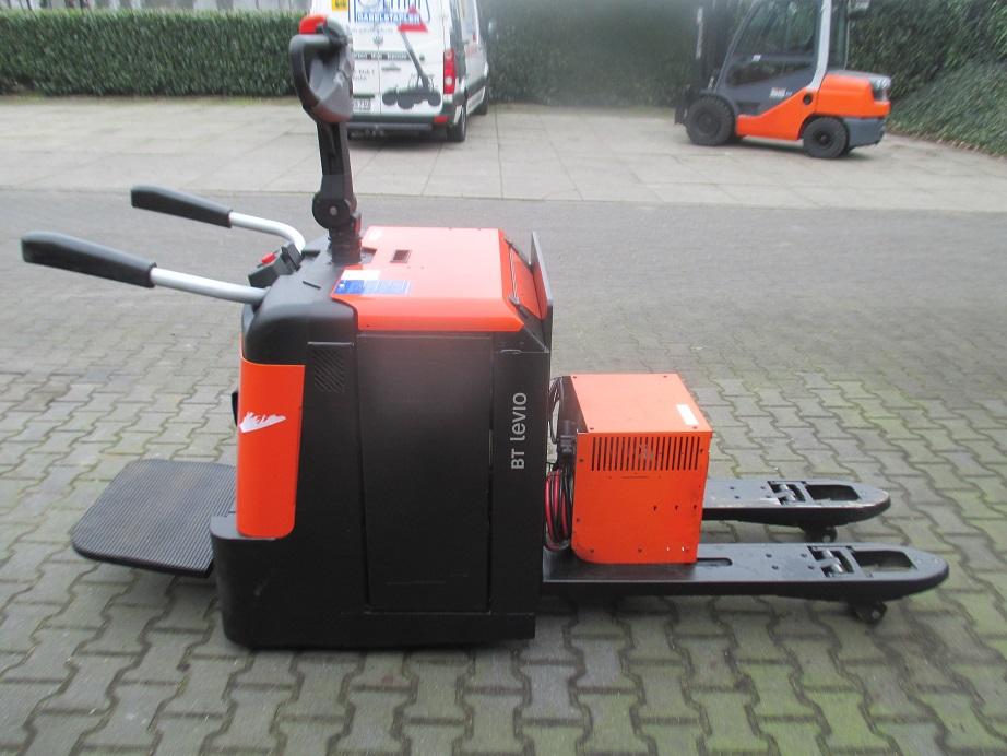 BT-LPE240-Niederhubwagen-http://www.holthuis-gabelstapler.de