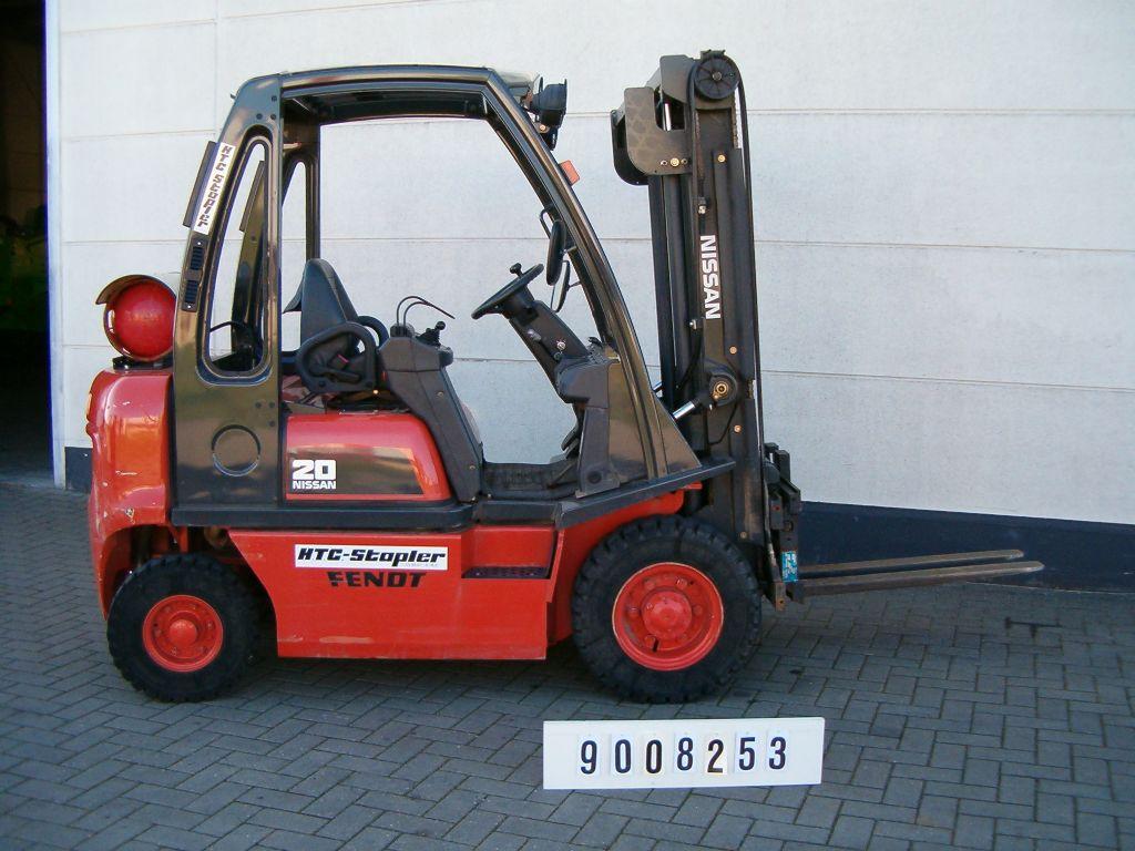 Nissan-UD02A20PQ-Treibgasstapler-http://www.htc-stapler.de