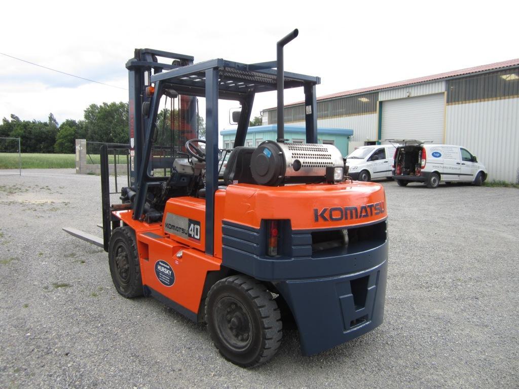 Komatsu-FD40Z-5-Dieselstapler-http://www.hursky-stapler.at