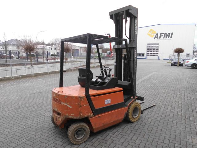 Steinbock Boss-PE 30-Elektro 4 Rad-Stapler http://www.isfort.com