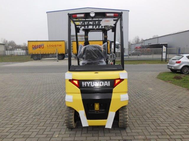 Hyundai-25BH-9-Elektro 3 Rad-Stapler http://www.isfort.com