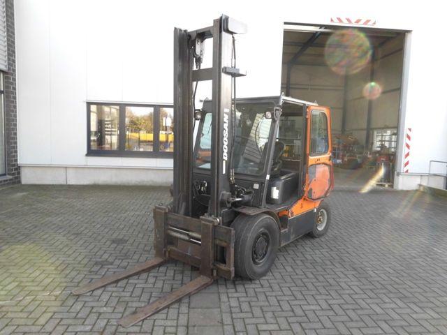 Doosan-45 D-Dieselstapler http://www.isfort.com