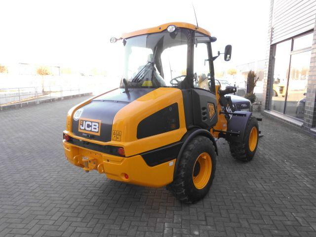JCB-406-Radlader http://www.isfort.com