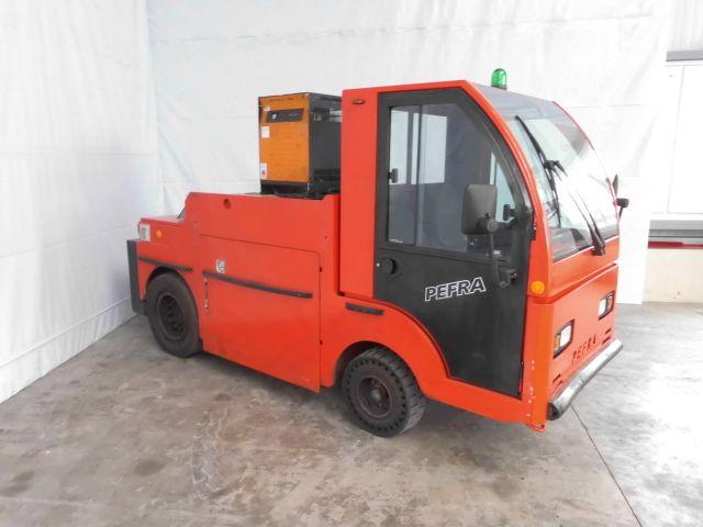 Pefra-750 L-Schlepper http://www.isfort.com