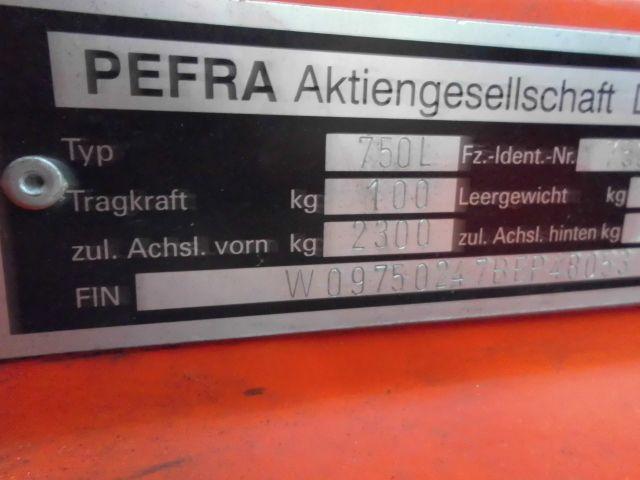 Pefra-750L-Schlepper http://www.isfort.com
