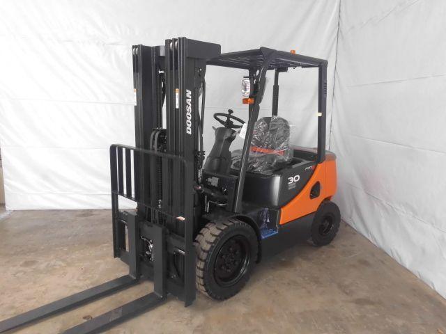 Doosan-D30S-5-Dieselstapler http://www.isfort.com