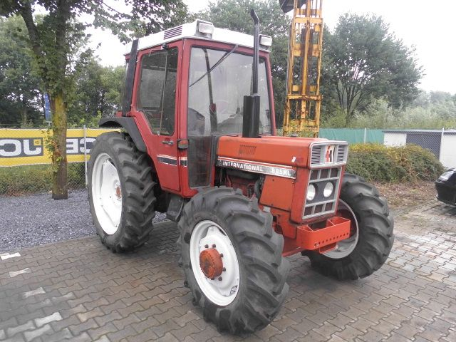 -IHC 885 XL Fendt New Holland -Schlepper http://www.isfort.com