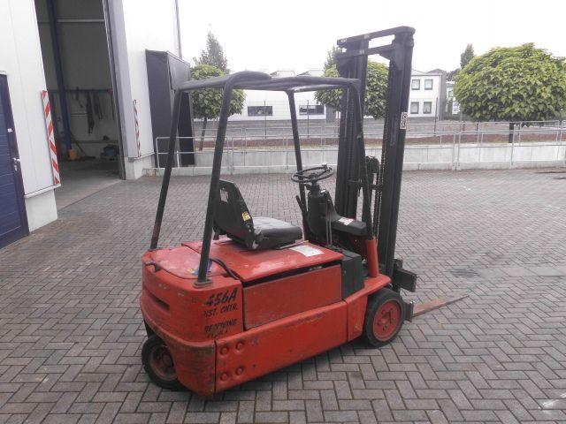Linde-E15S-Elektro 3 Rad-Stapler http://www.isfort.com