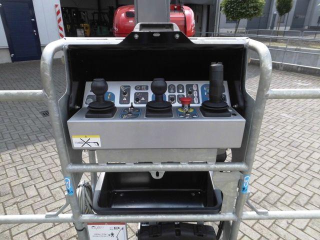 Manitou-200 ATJ-Gelenkteleskopbühne http://www.isfort.com
