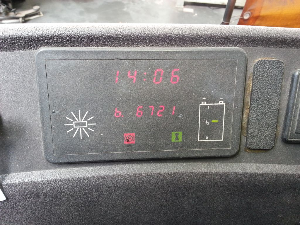 BT-RR N3-DC-Elektro-Schubmaststapler http://www.kirchner-gabelstapler.de