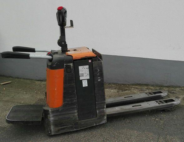 BT-LPE240-Niederhubwagen http://www.kirchner-gabelstapler.de