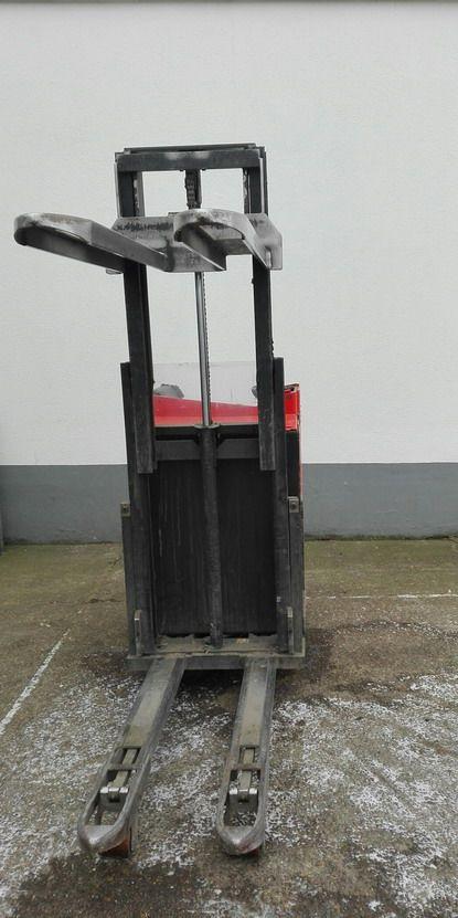 BT-SSE160D-Hochhubwagen http://www.kirchner-gabelstapler.de