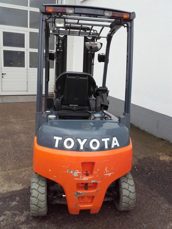 Toyota-8FBMT16-Elektro 4 Rad-Stapler http://www.kirchner-gabelstapler.de