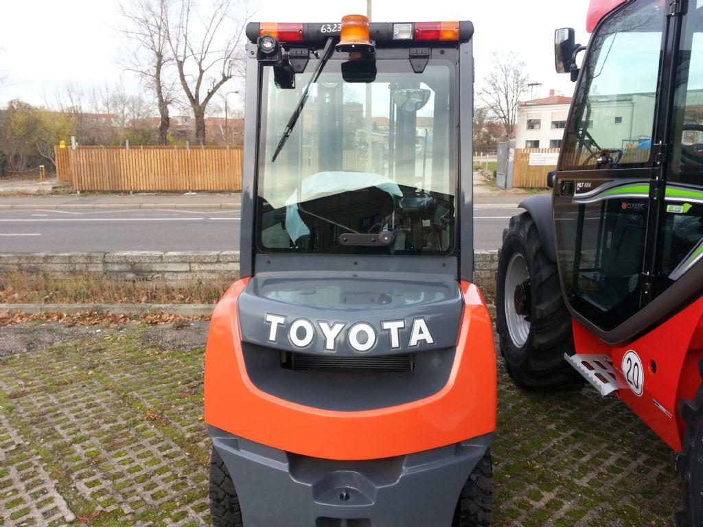 Toyota-02-8FDF25-Dieselstapler http://www.kirchner-gabelstapler.de