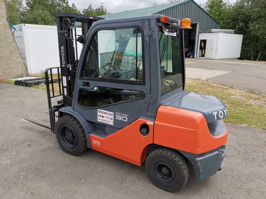 Toyota-02-8FDF30-Dieselstapler http://www.kirchner-gabelstapler.de