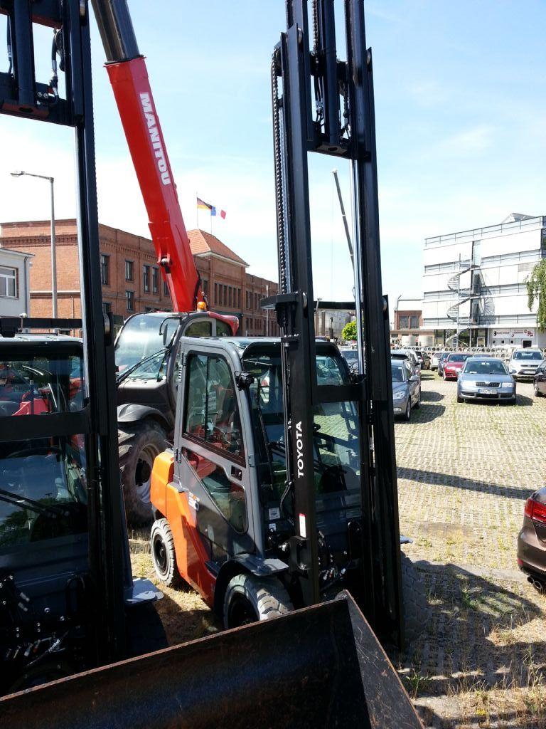 Toyota-02-8FGF30-Treibgasstapler http://www.kirchner-gabelstapler.de