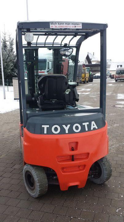 Toyota-8FBMKT25-Elektro 4 Rad-Stapler http://www.kirchner-gabelstapler.de
