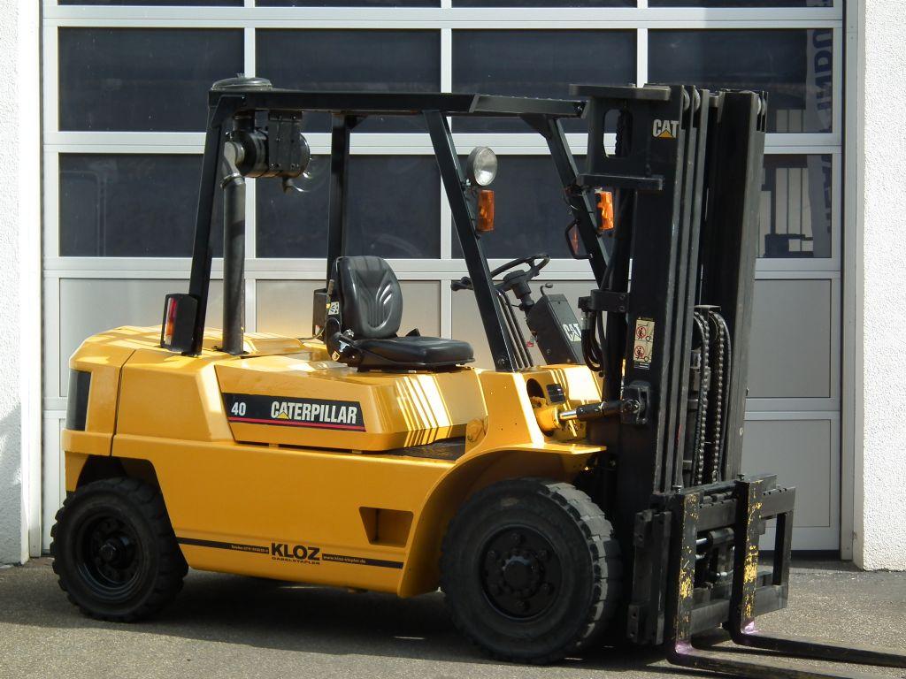Caterpillar-DP40-Dieselstapler-www.kloz-stapler.de