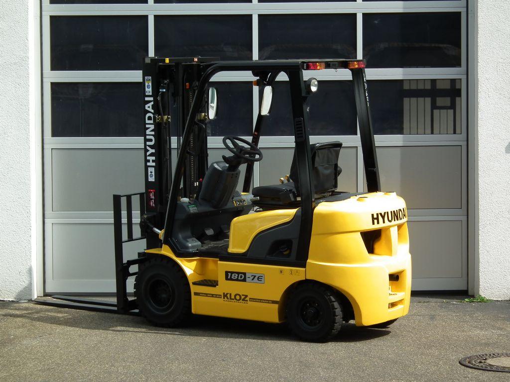 Hyundai-18D-7E-Dieselstapler-www.kloz-stapler.de