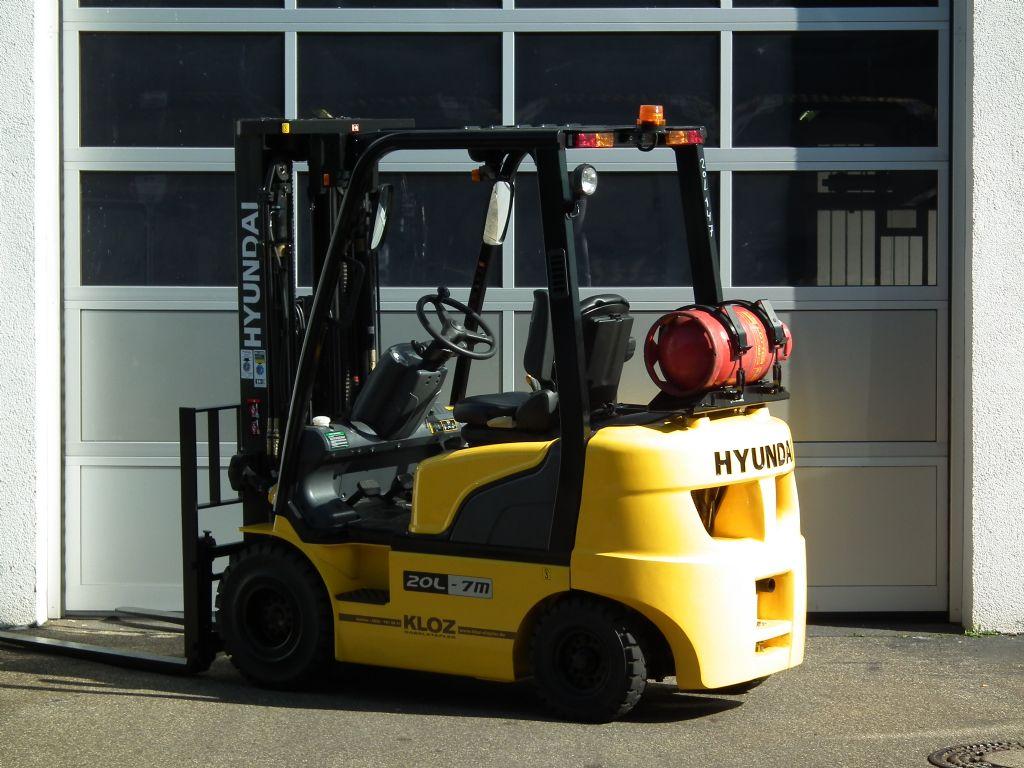 Hyundai-20L-7M-Treibgasstapler-www.kloz-stapler.de
