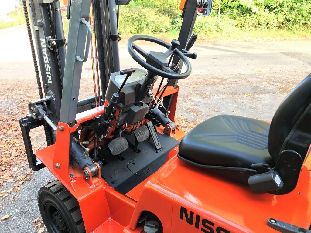 Nissan-J01A15-Treibgasstapler-http://www.koop-gabelstapler.de