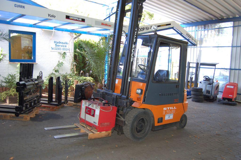 Still-R60-30-Elektro 4 Rad-Stapler-http://www.koop-gabelstapler.de
